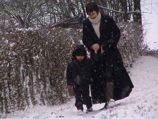 Lou et Claire dans la neige