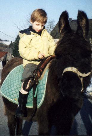 Lou à cheval