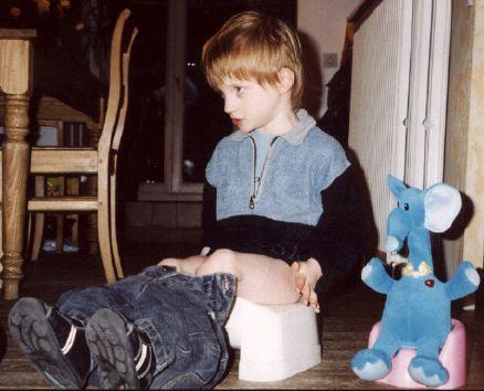 Lou sur son petit pot