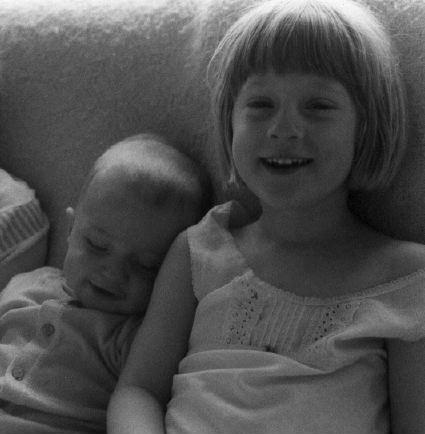 Eva et Lou bébé