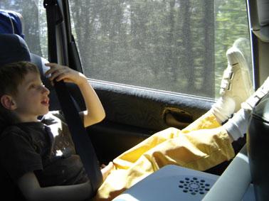 Lou en voiture