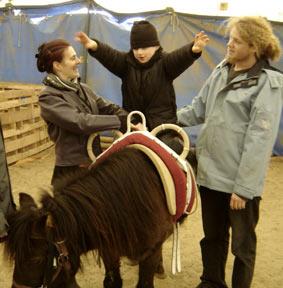 Lou, le petit prince à cheval