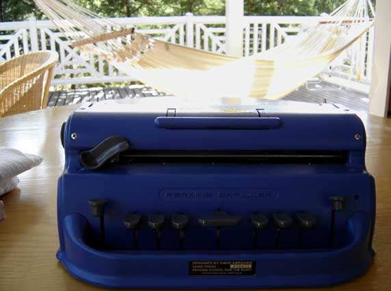 machine perkins braille pour aveugle
