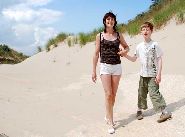 Lou dans les dunes